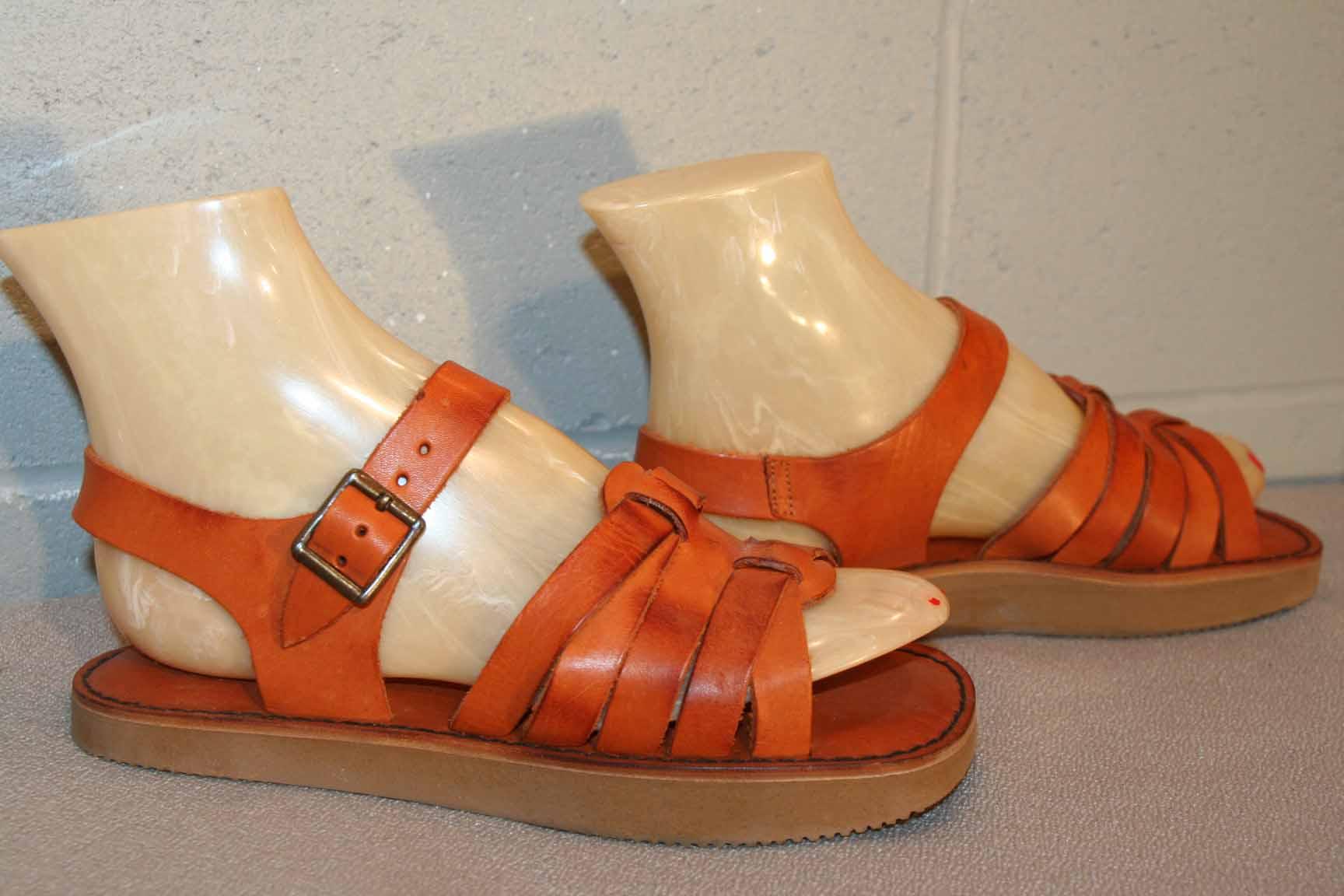 42b4f73a3365 6.5 B NOS Vtg 70s RUST BROWN FLAT HEEL HIPPIE BOHO FESTIVAL SANDAL New Shoe